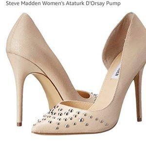 Steve Madden Nude Pumps